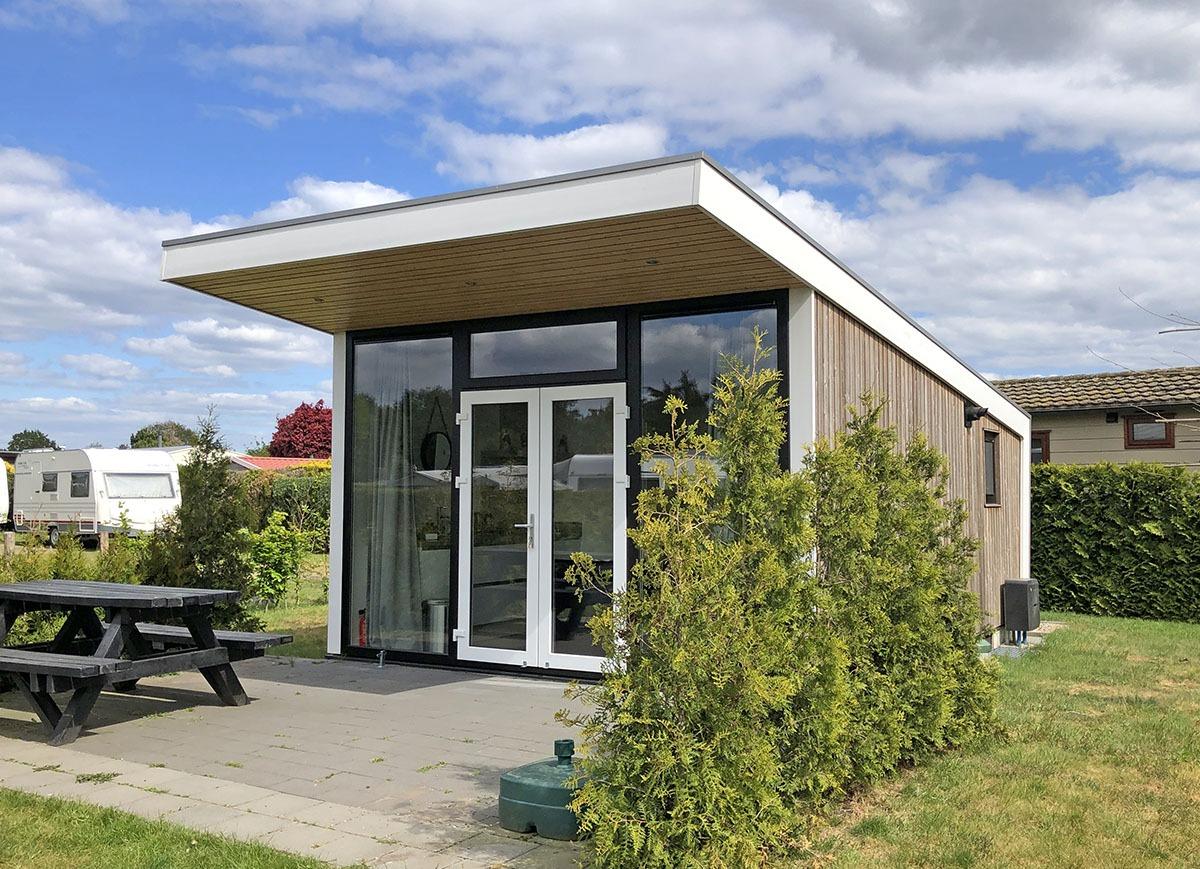 Luxe Tinyhouse in Stroe leuk om te wandelen in Garderen